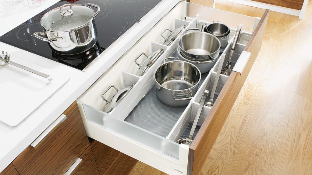 συρόμενα ράφια eliton-kitchen