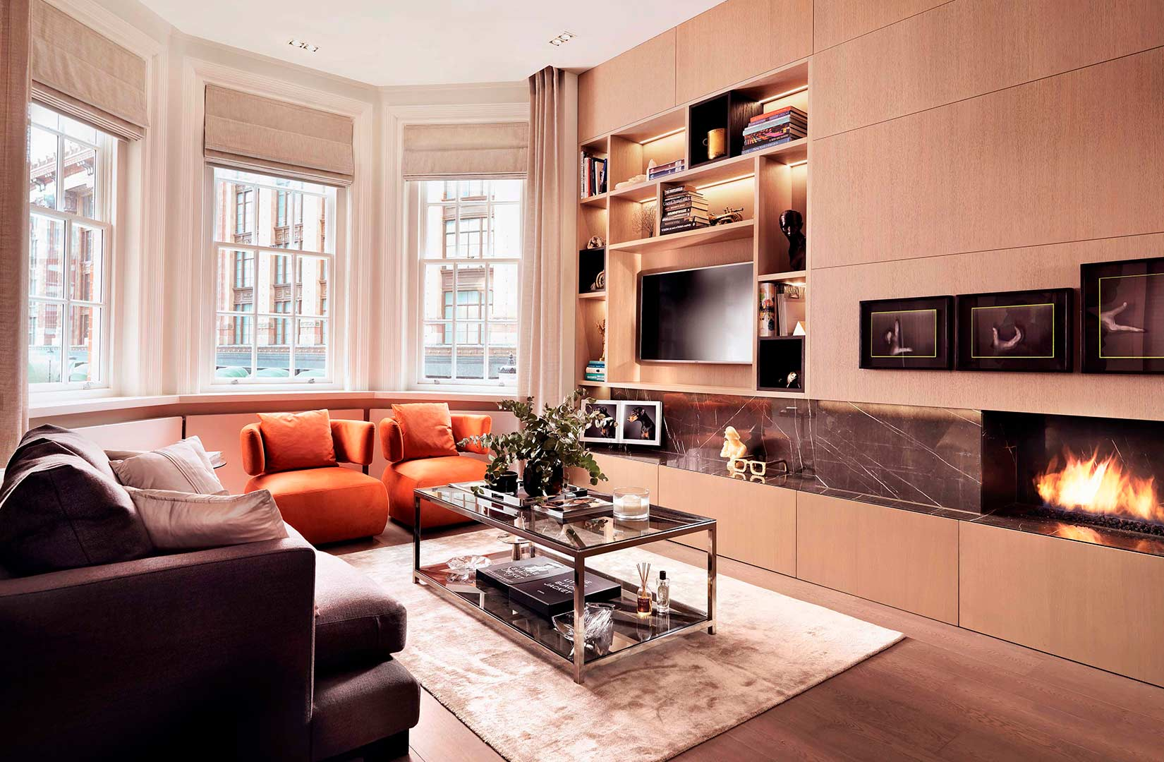 Knightsbridge, London: Living room