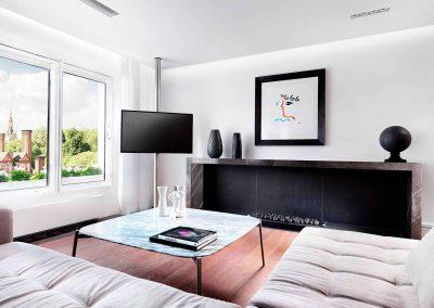 Princes Gate, London: Living room