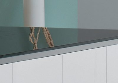 elite: 10mm thick security glass worktop in aluminum base