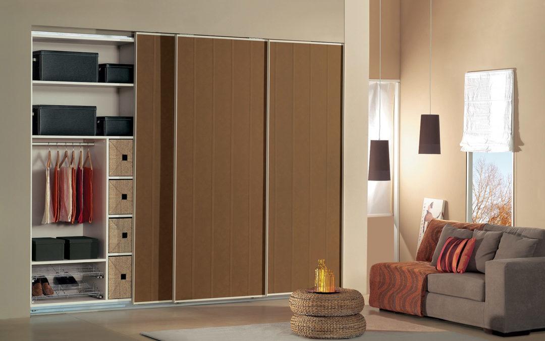 Πώς να κάνετε τη ντουλάπα και τα ρούχα σας να μυρίζουν υπέροχα!