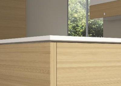 koundouros gloss: ο πάχους 18mm γραμμικός πάγκος από corian τονίζει την αντίθεση μεταξύ της ανοιχτόχρωμης δρυός με τη λευκή γυαλιστερή επιφάνεια